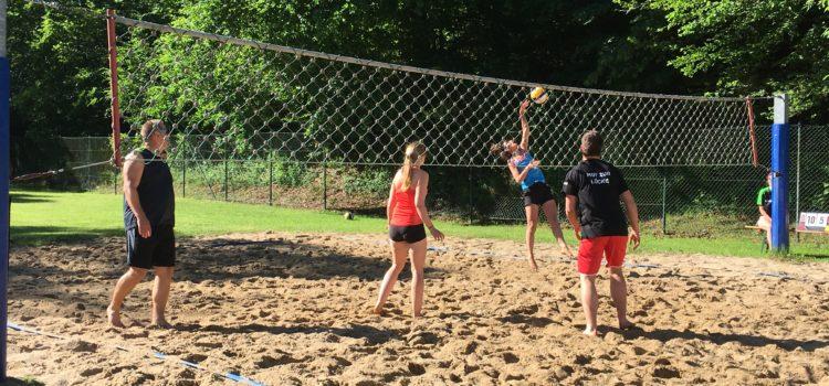 """""""Vier Jahreszeiten"""" gewinnen das 17. Daadener Beachvolleyball- Turnier"""